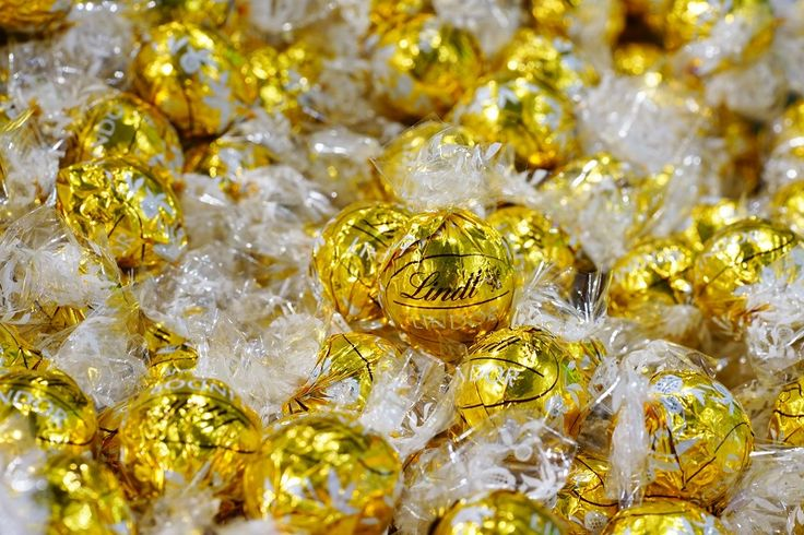The Story of Lindt And Method of Making Lindt Balls http://ow.ly/7nX230fB2nD #LindtChocolate #SwissChocolate