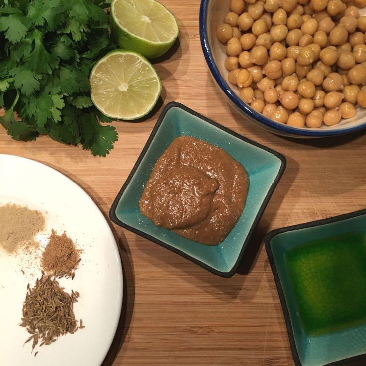 Ingredienten hummus met koriander en limoen