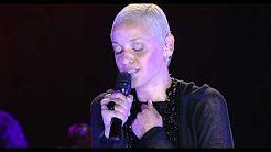 (4) Barco Negro (Mariza - Concerto em Lisboa) - YouTube