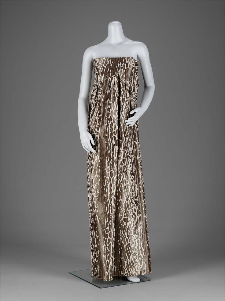 1970-1979, America - Woman's evening dress by Geoffrey Beene - Printed silk plain weave (taffeta)