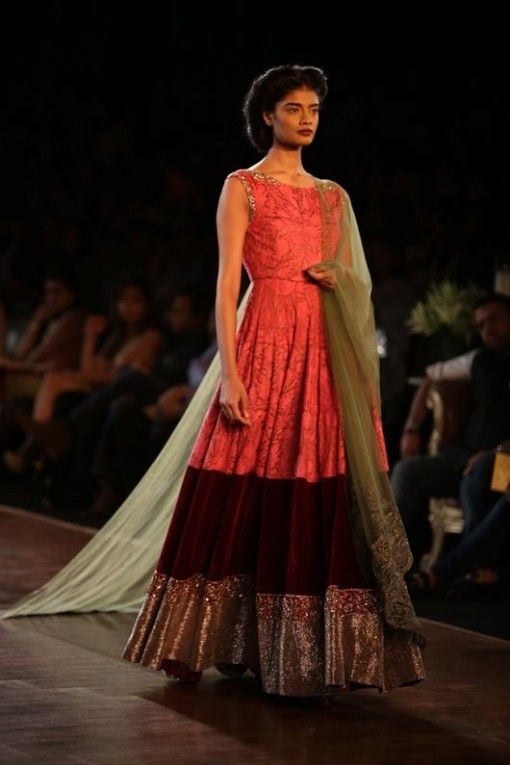 Delhi Couture Week 2013: Manish Malhotra red bordeaux printed anarkali