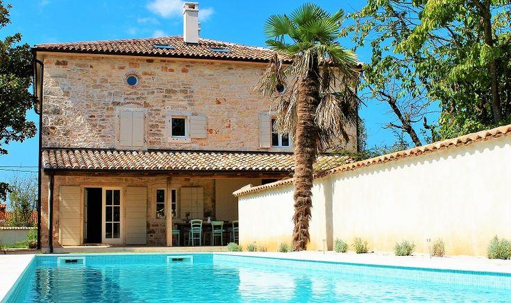 COMMING SOON @ www.istrien-pur.com! Zauberhafte Steinvilla mit Pool im Herzen von #Istrien #Kroatien ab sofort zu mieten, in kürze in unserem Programm bei #IstrienPur