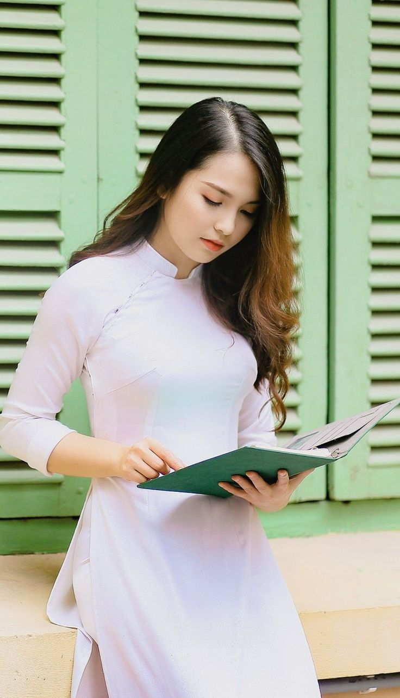 Chủ tịch tỉnh Thừa Thiên Huế vận động nữ sinh các trường
