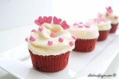 Edalı Mutfağım: Red velvet Cupcake & Cream Cheese Frosting / Kırmızı Kadife kapkek ve Krem Peynir Kreması