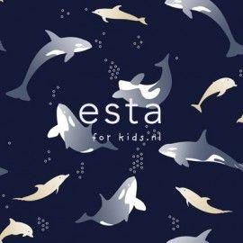 Mooi donkerblauw behang met zeedieren uit de Jimbo collectie van Esta for kids. Met dit papierbehang met waterdieren waan je je in de onderwaterwereld van de dolfijnen en de orka's. LET OP: Wilt u meerdere rollen bestellen, bestel deze dan gelijktijdig. De rollen behang komen dan uit dezelfde drukserie en hebben dan geen onderlingkleurverschil.