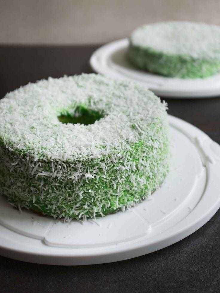 I Eat Therefore I Am: Pandan Chiffon Cake Recipe - Childhood Memories