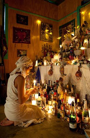 Voodoo priestess at altar in New Orleans...beautifulest. We witches come in many different beautiful facets. Voodoo, Santeria, Gypsy, Bohemian, Vampire...oh its so beautiful! Blessed Be....Harm None!
