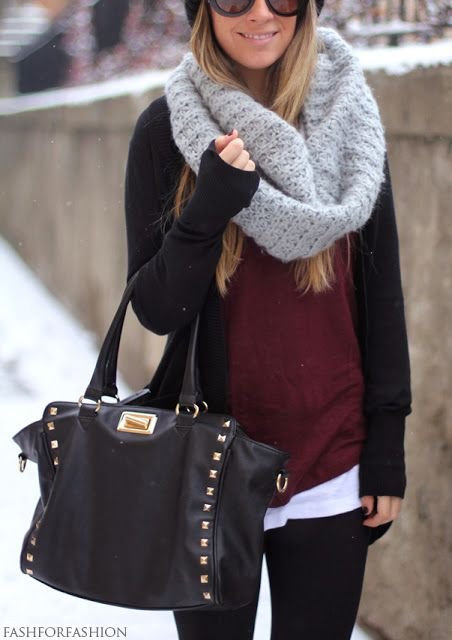 Fall/Winter outfit -- chunky scarf, maroon sweater, black loose fit cardigan & leggings LOVE LOVE LOVE