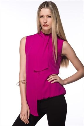 Milla by trendyol · Küçük Siyah Elbiseler - Fuşya Bluz MLWAW154563 sadece 69,99TL ile Trendyol da