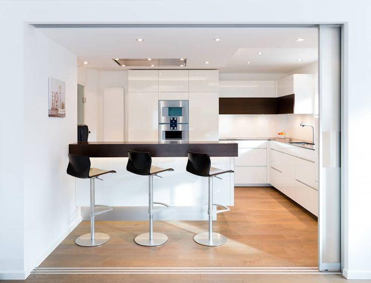 Moderne Küche Bilder: Wohnküche Nach Maß Mit Kochinsel. DesignsPictures