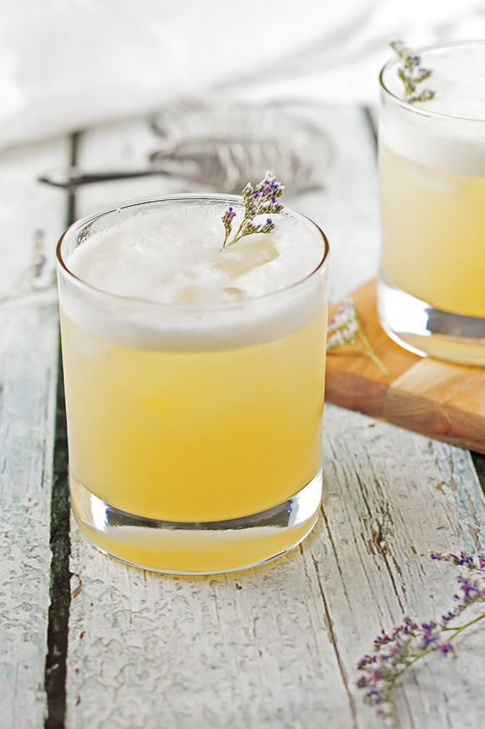 Elderflower, Peach and Lavender Gin Sour