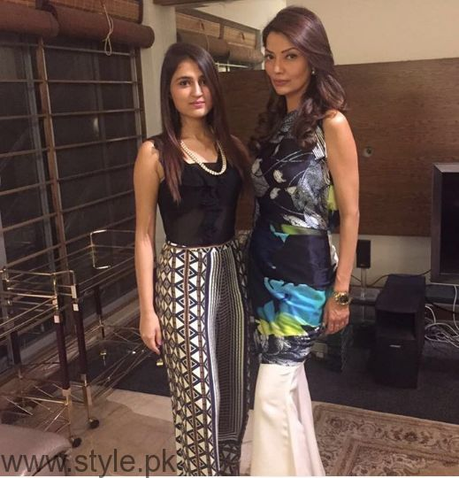 Pictures of Natasha Hussain with her daughter (6)