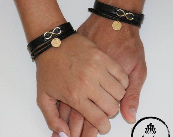 Personalizado doble su y suyo pulseras, cuero negro con grabado plateado oro moneda e infinito encanto pulseras, pulsera de parejas