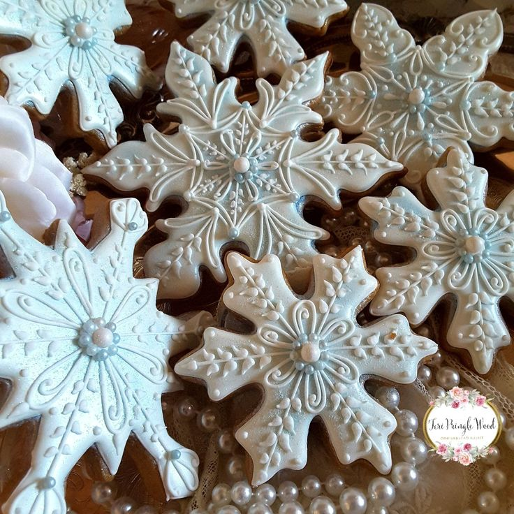 Snowflake cookies, Christmas cookies, gingerbread cookies, keepsake cookie gift, decorated cookies (food art christmas)