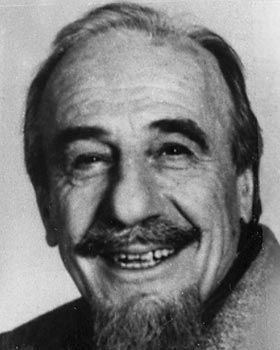 """Mitch Miller helped shape musical tastes in the 1950s and early '60s as the head of the popular music division at Columbia Records and hosted the hit """"Sing Along With Mitch"""" TV show in the early '60s"""