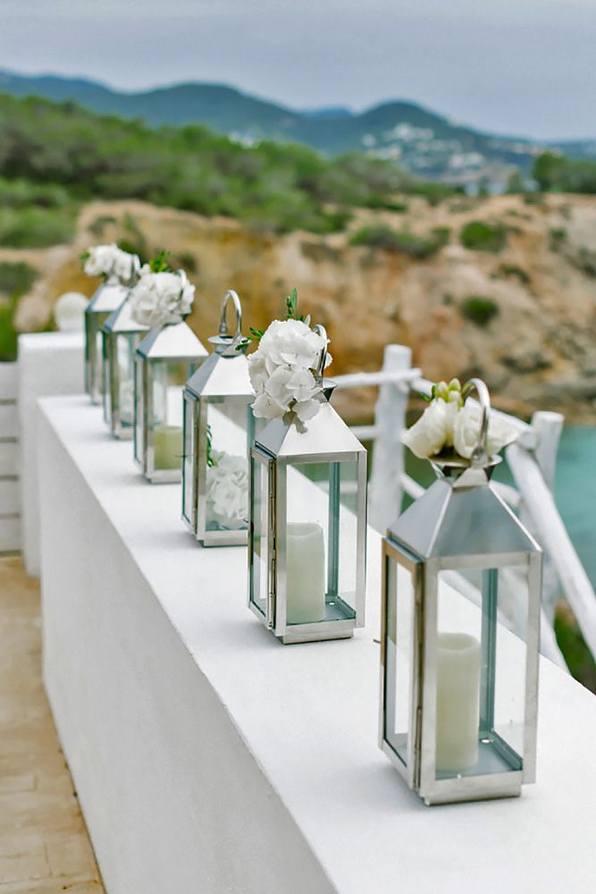 36 Amazing Lantern Wedding Centerpiece Ideas ❤ See more: http://www.weddingforward.com/lantern-wedding-centerpiece-ideas/ #weddings #decorations