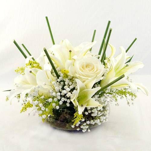 Arranjo de flor branca Centro de Mesa Lírios e Rosas :: Batista Reis - Flores Online