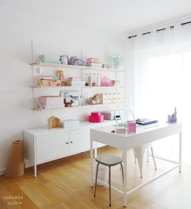 Design office perfect balance between the pastel and the white desk