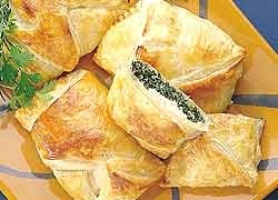 Chicken and Spinach Pies http://www.foodinaminute.co.nz/Recipes/Chicken-and-Spinach-Pies