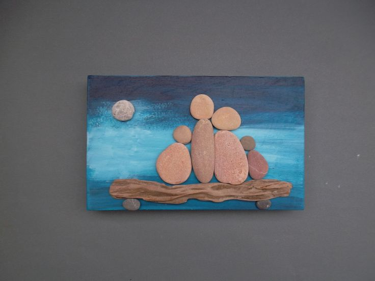 beach pebbles and driftwood(sandrina)
