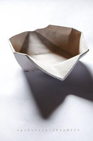 ceramiczna misa geometryczna