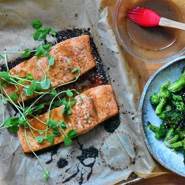 ... ://thefeedfeed.com/salmon/feedtheswimmers/miso-ginger-glazed-salmon