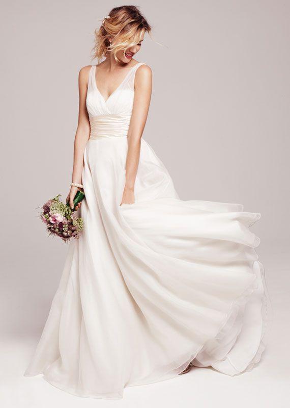 Schwingendes Hochzeitskleid mit V-Ausschnitt