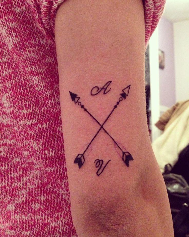 Las 25 mejores ideas sobre tatuajes de flechas cruzadas en - Tatuajes de pared ...