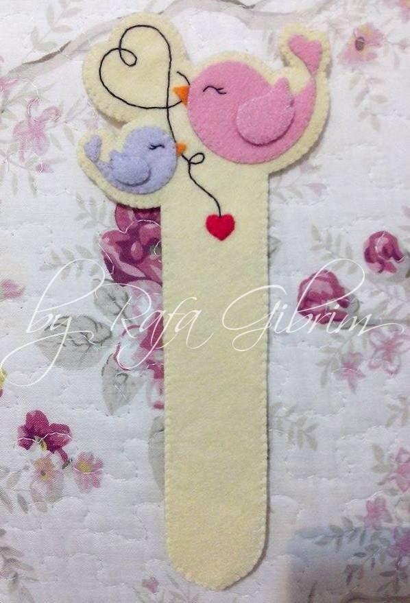 Marca página - Amor em família | by Feito a mão [by Rafa]...cute felt bookmark..inspiration!