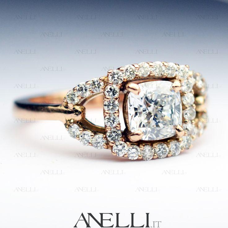 Anello in Oro Rosa 18kt e Diamanti. Diamante centrale Taglio Cuscino di 1 Carato.. www.anelli.it #RegalidiNatale #OroRosa #DiamanteCuscino #Gioielli #Anelli