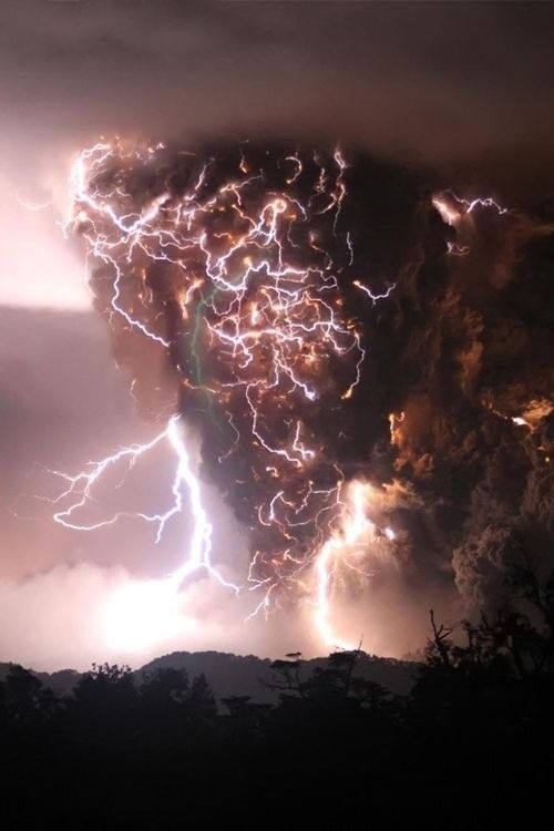 Amazing Volcanic Lightning. Is this real? You never know what Mother Nature can do.