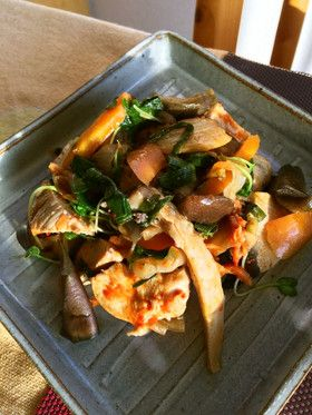 鶏肉とナスのキムチ炒め
