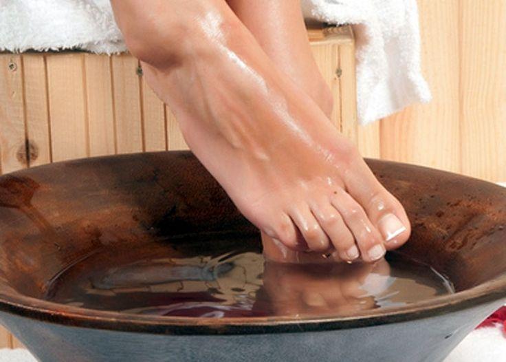 Με τι θα ανακουφίσεις γρήγορα τα κουρασμένα πόδια σου;