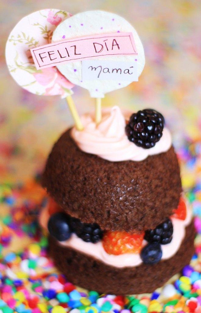 Mini pastel en microondas fácil y frutal