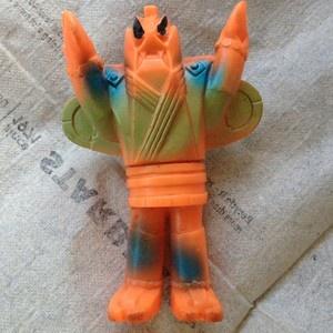 POPY-vintage-vinyl-3-4-Inch-figure-Japanese-sofubi-Made-In-Japan-Rare-toy-/00/s/MTAwMFgxMDAw/%24(KGrHqZ,!rYF!0G2VmMEBQP4qBrZFg~~60_35.JPG