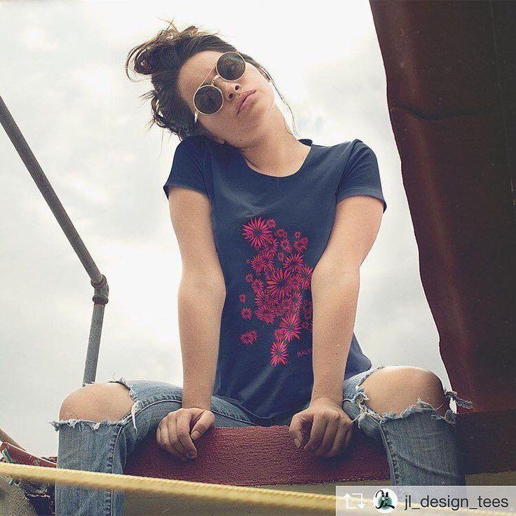 Altra bellissima stampa  visita il nostro sito (il link lo trovi nella bio) per vedere le nostre TShirt della nuovissima collezione Primavera/Estate2017 Uomo/Donna  tagga nei commenti i tuoi amici e le tue amiche  chi tagga più persone in giugno riceve visibilità e viene condiviso sulla pagina  #formentera #newsaporter #coeuno #cucciola #principessa #mifavolare #bellavita #bellagente #tshirt #tshirts #tshirt #maglietta #magliettina #magliettafiga #magliettefighe #magliettanuova #maglie…