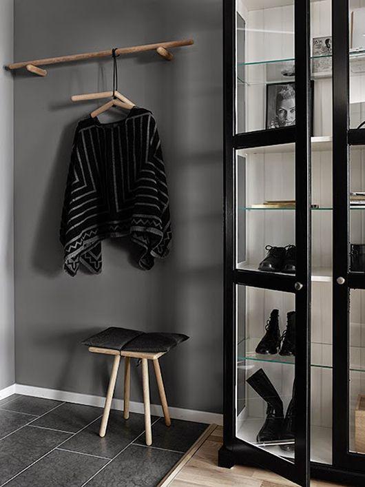 DIY: Svarta skåp med vit insida (via Bloglovin.com )