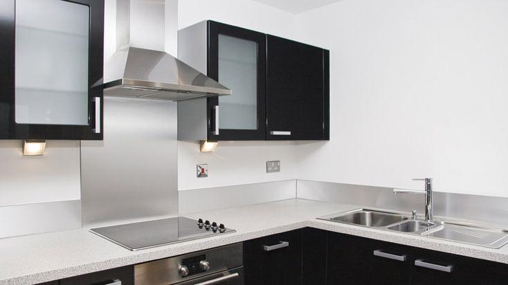 Saiba a diferença entre coifa, exaustor e depurador de ar antes de instalar um desses eletrodomésticos em sua cozinha.