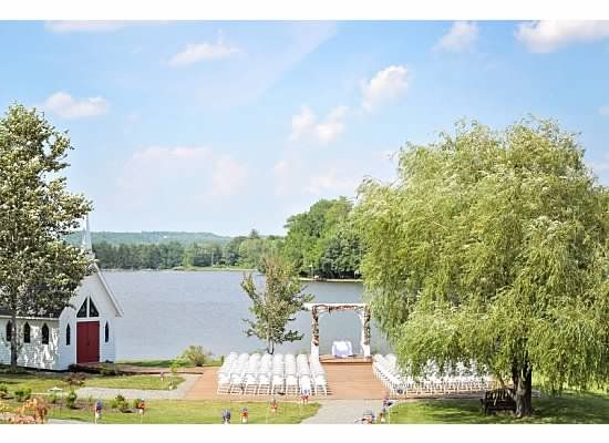 Pine Cradle Lake Wedding Venue Northeastern PA Photo Courtesy Of Gail Boop Photography