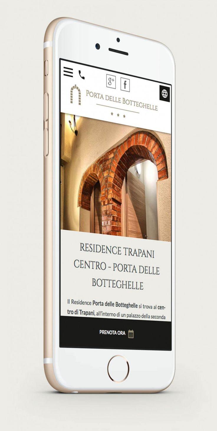 Vista del sito web di Porta delle Botteghelle residence su smartphone in posizione portrait