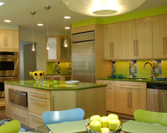 Apple Themed Kitchen Design, Pictures, Remodel, Decor and Ideas: Kitchens Design, Contemporary Kitchens, Kitchens Ideas, Green Kitchens, Limes Green, Colors Kitchens, Design Kitchens, Basements Kitchens, Retro Kitchens