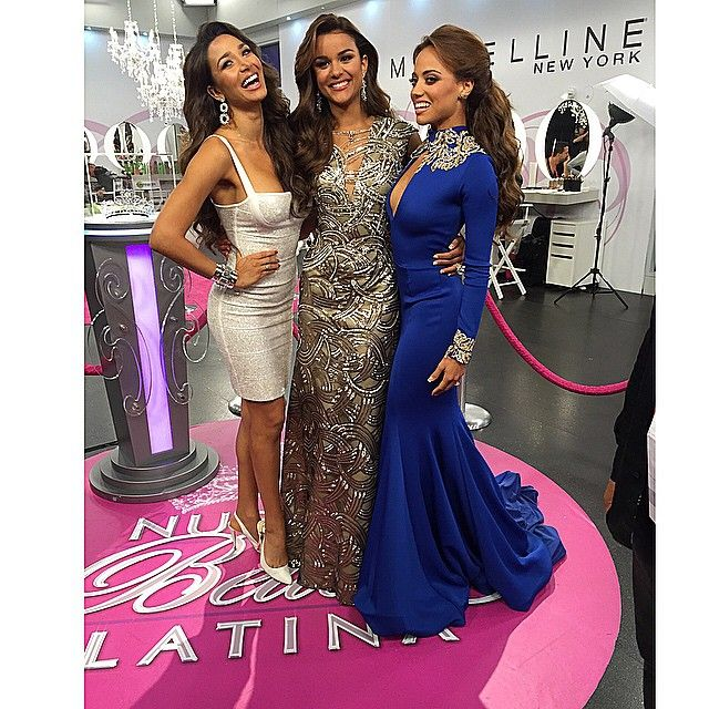 The gorgeous @lisandrasilva @clarissamolinaofficial and looking stunning wearing @willfredogerardo the beautiful @catherinepaolacastro @nuestrabellezalatina @univision #willfredogerardo #nuestrabellezalatina #NBL #gowns #weddinggowns #weddingdresses #promgowns #promdresses #runway #redcarpet #runwaycollection #dresses