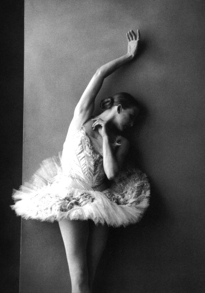 'Balanchine's last ballerina' - Darci Kistler photographed by Annie Leibovitz.