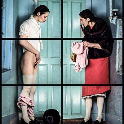A fotógrafa suíça Cornelia Hediger desconstrói e distorce a forma feminina, criando narrativas enigmáticas e insolúveis.