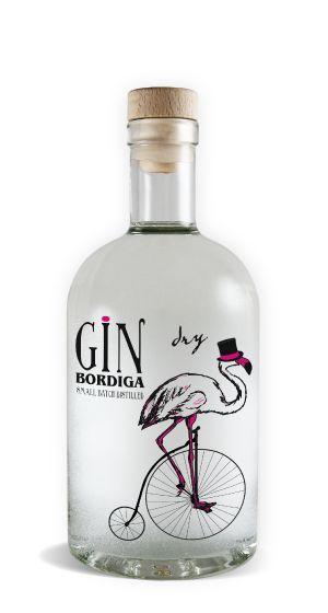 Bordiga Gin Premium. Gin Bordiga Dry è uno dei pochissimi gin Small Batch interamente italiani, distillato in quantità limitate con l'alambicco di rame a fuoco di legna. Viene prodotto usando bacche di ginepro provenienti dalle Alpi Marittime.