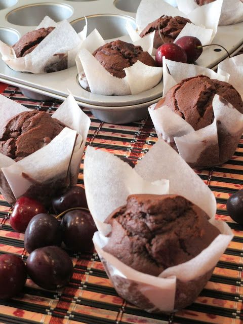 Muffins de chocolate y cerezas