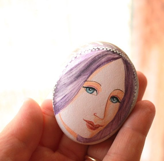 Painted stone. Ready to ship. painted pebble. Beach by sabiesabi