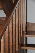 Barandilla de madera. Montantes de 70x70, pasamano y zócalo de 60x50, y balaustrada en madera.   http://www.barandillasprecios.com/barandillas/barandillas-interiores/madera2012-10-01-20-53-27/madera-f6-detail