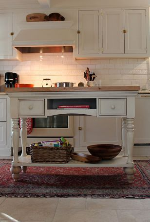 DIY:: Kitchen Island from Sofa Table