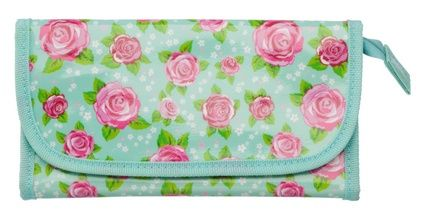 Sharing Summer Rose Pencil Case from WHSMITH #stationery #pencil #case #floral